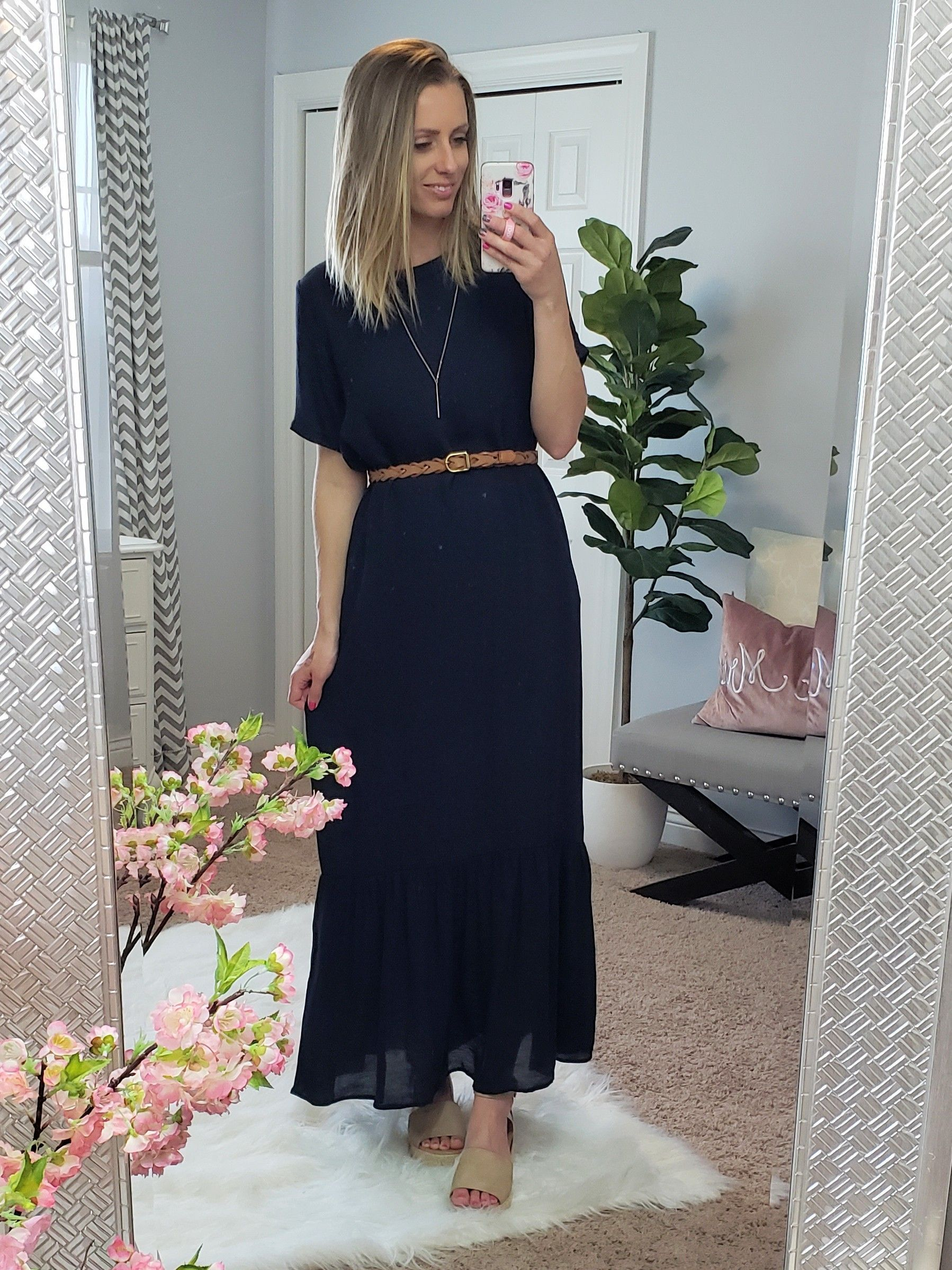 Tiered Lightweight T Shirt Maxi Dress With Pockets Great For A Late Summer Wedding Or Even A Trip To The Beach Maxi Dress Tiered Maxi Dress Dresses [ 2399 x 1798 Pixel ]