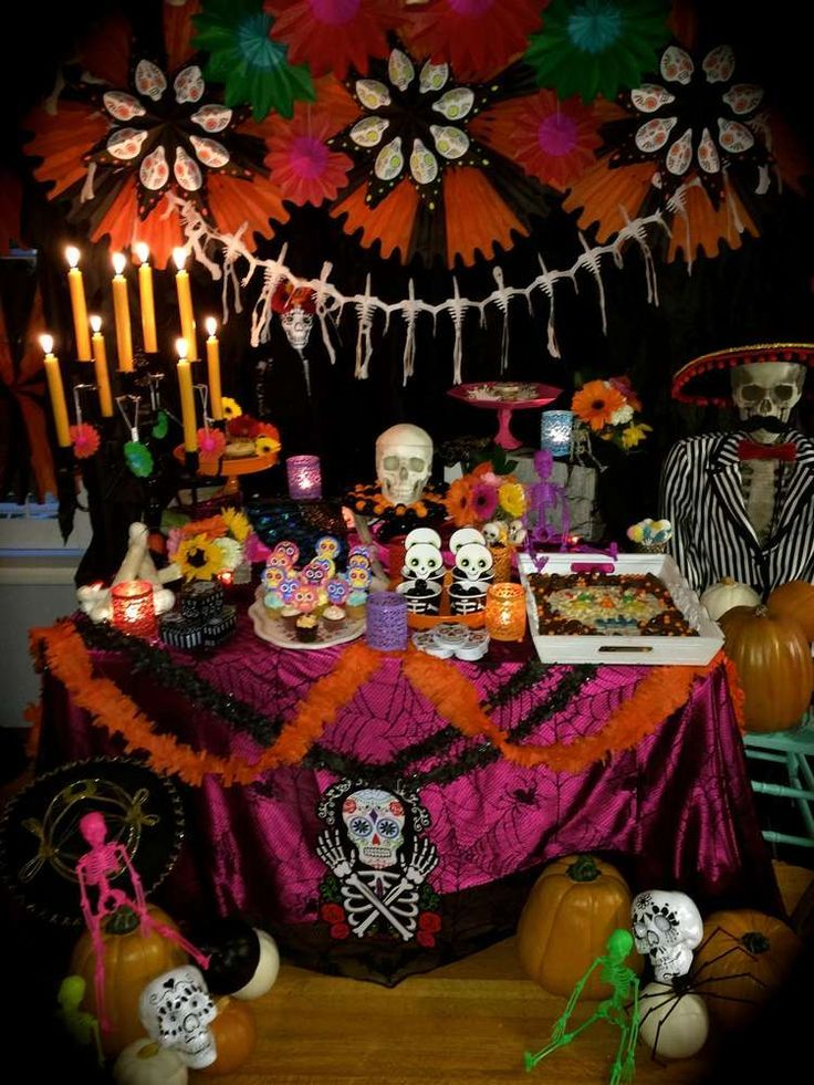 Ideas Para Una Fiesta Del Día De Los Muertos Day Of The Dead Party Sugar Skull Party Halloween Party
