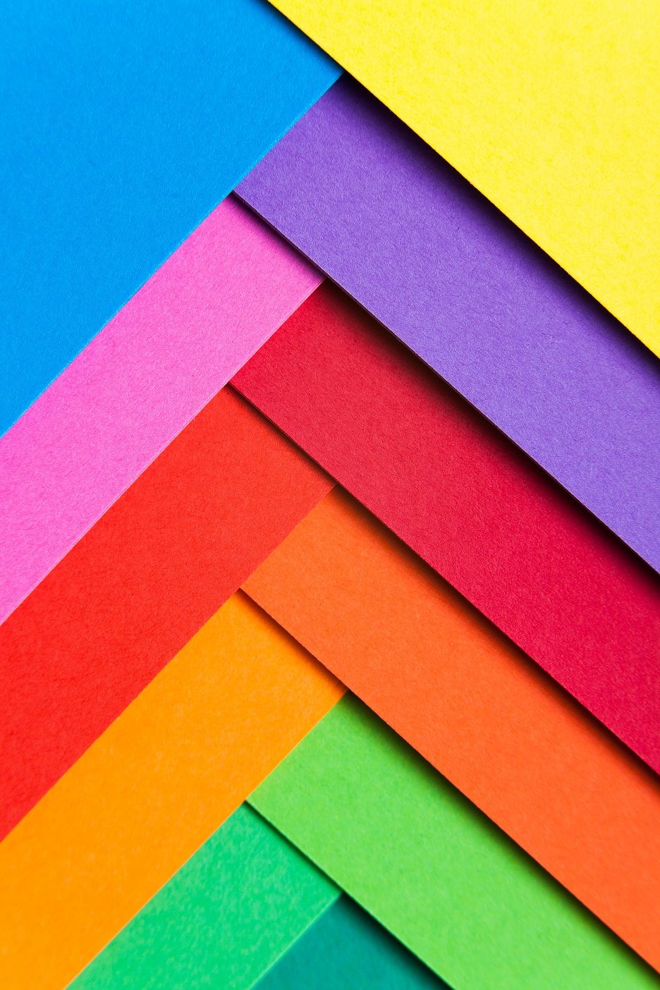 Farbiges Papier Zum Basteln In Intensiven Farben Wie Violet Rot Fuchsia Kanariengelb Maigrün Orange B Regenbogen Hintergrundbild Farbiges Papier Papier