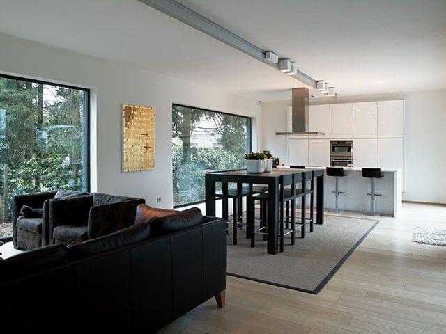 Eetkamer • modern • hoge eettafel • bar • woonkamer • Foto: www ...