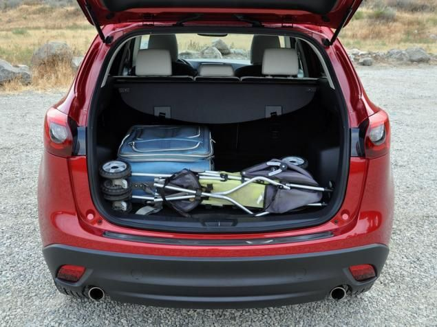 nydn 2016 mazda cx 5 grand touring trunk cargo. Black Bedroom Furniture Sets. Home Design Ideas