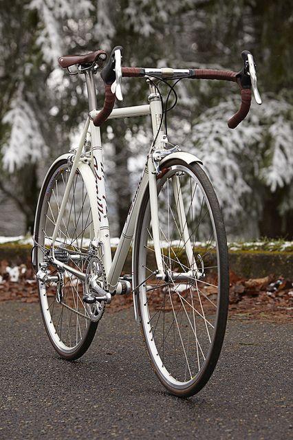 Vanilla Cream Road Bike Classic Road Bike Road Bike Cycling Bike Ride