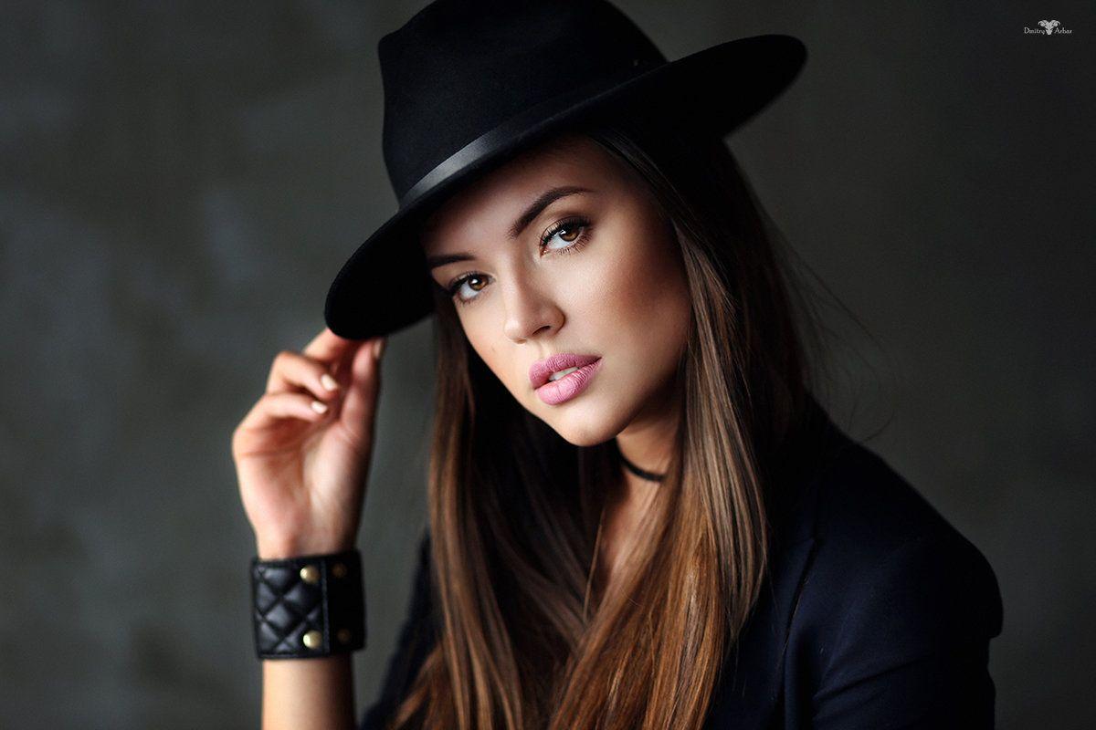 Девушки с шляпой картинки