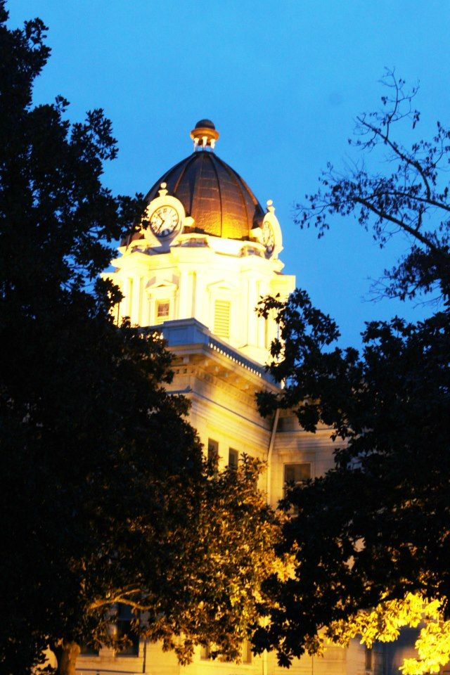 Dusk View Of Courthouse Tupelo Mississippi By Carol Ann Hughes Tupelo Natchez Trace Places