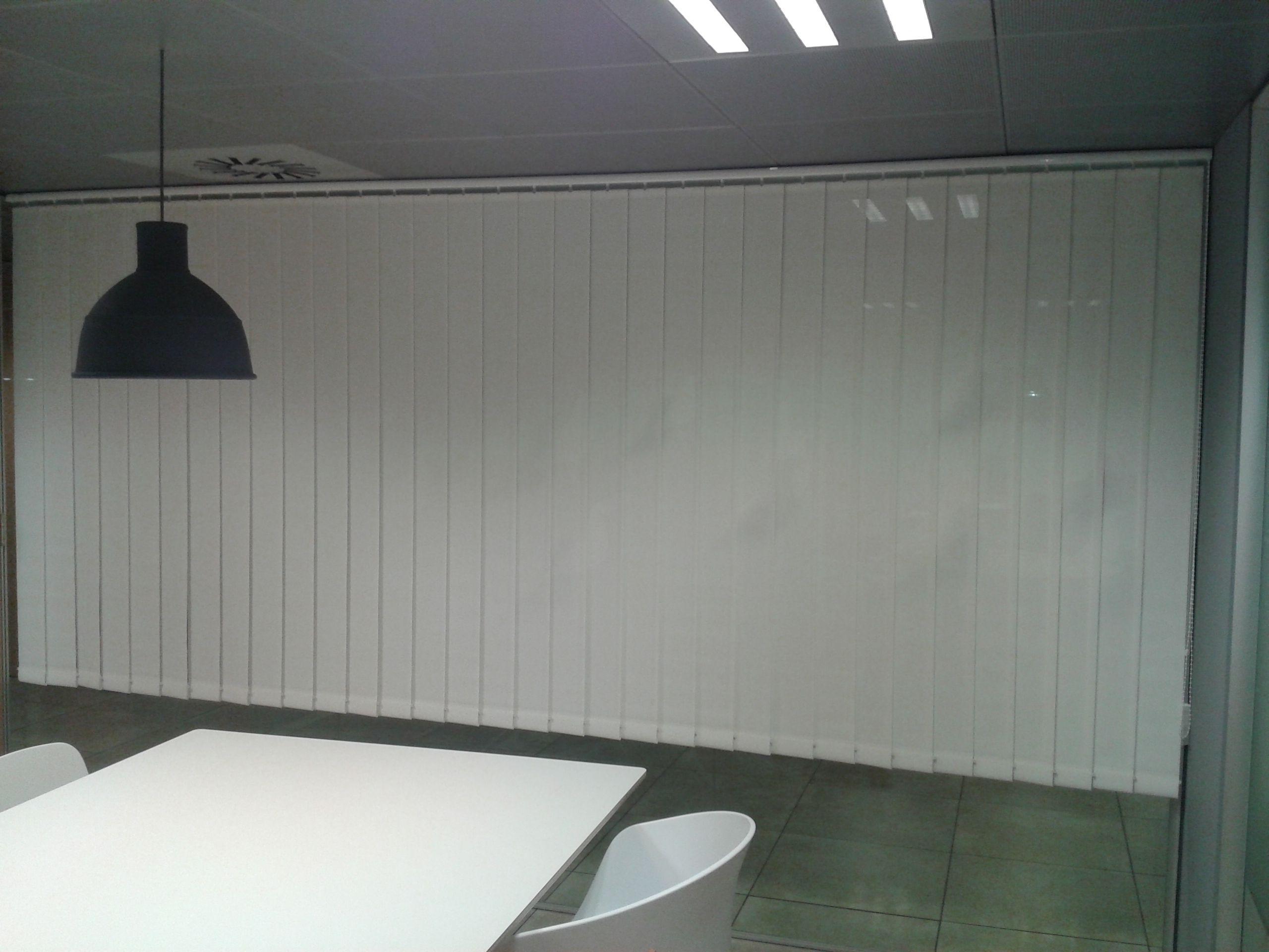 Cortinas verticales screen simple cortinas verticales a - Cortinas verticales online ...