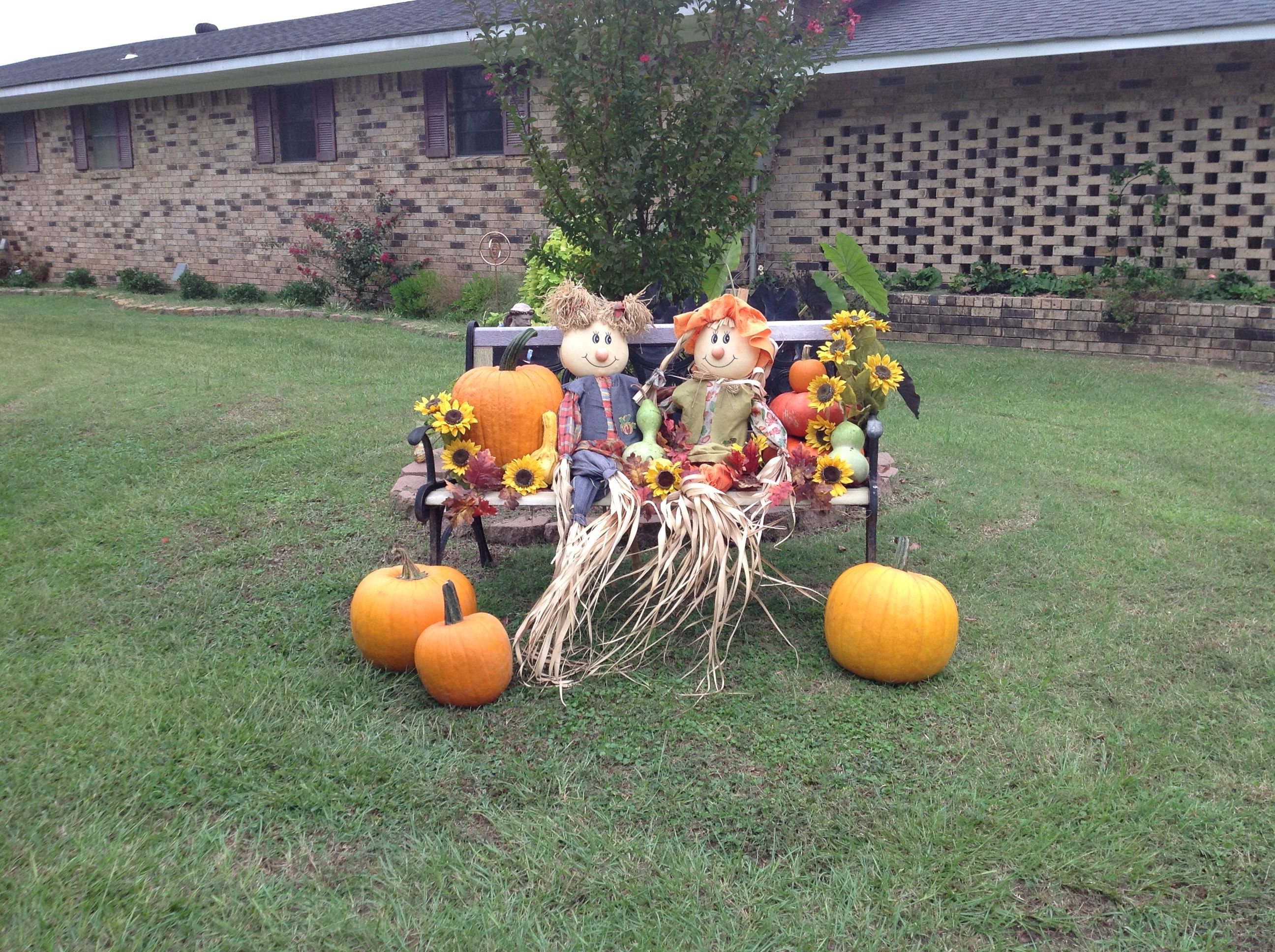 Love This Cute Idea With The Scarecrows Sitting On The Bench
