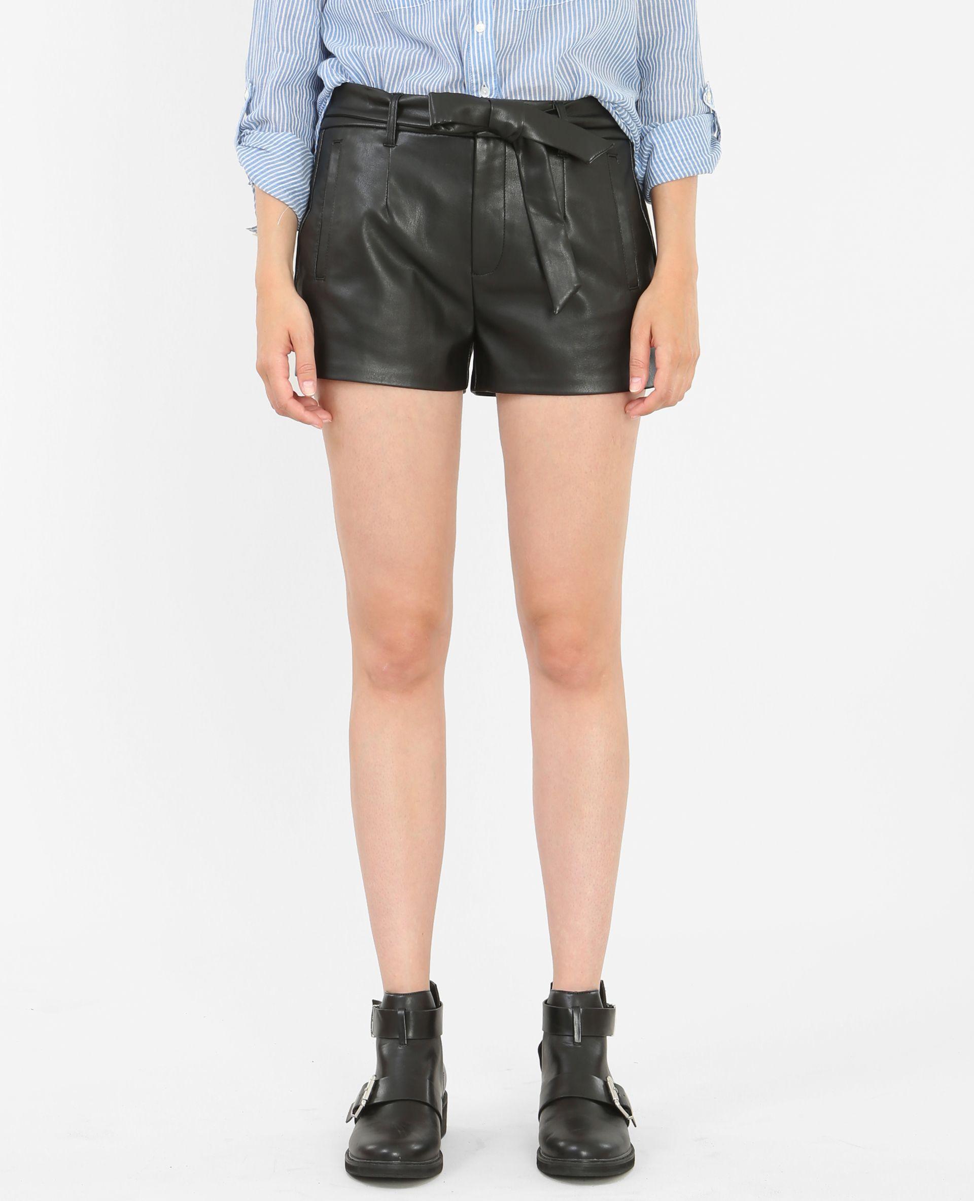 Short simili cuir - Un short rock et féminin