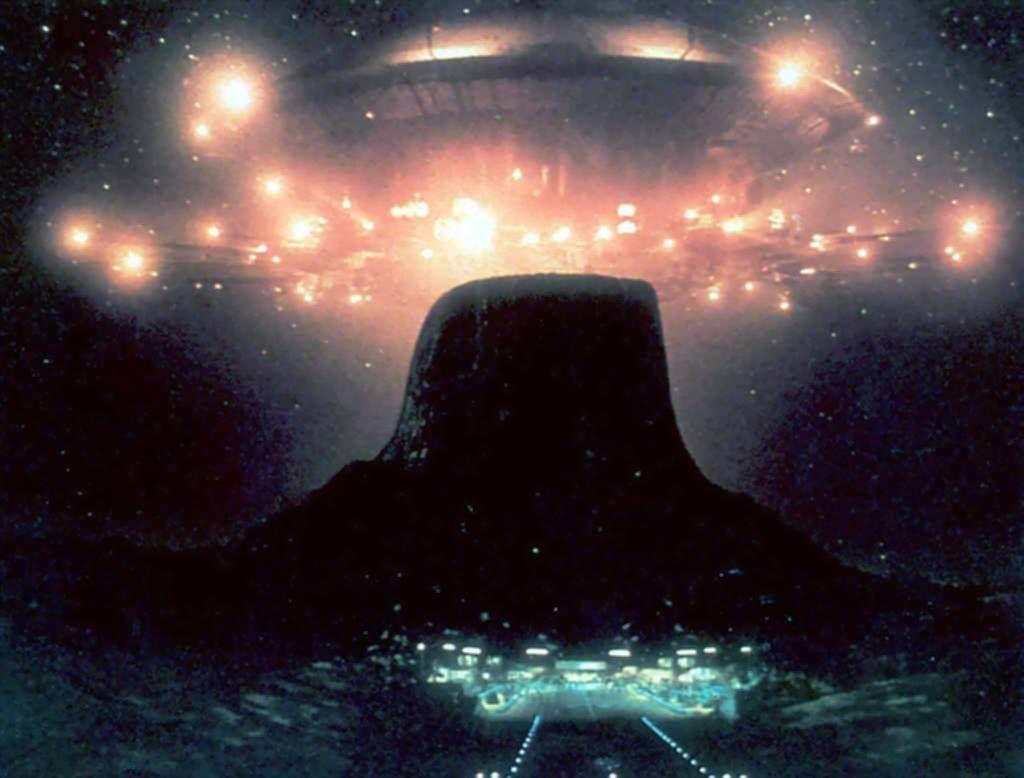 Epingle Par Martin Taylor Sur Greatest Fictional Spacecraft Ovni