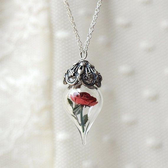 Rose der Schönheit und das Biest  Rote Rose Silber Halskette  Halskette aus GlasblumenTerrarium Geschenk für Frau