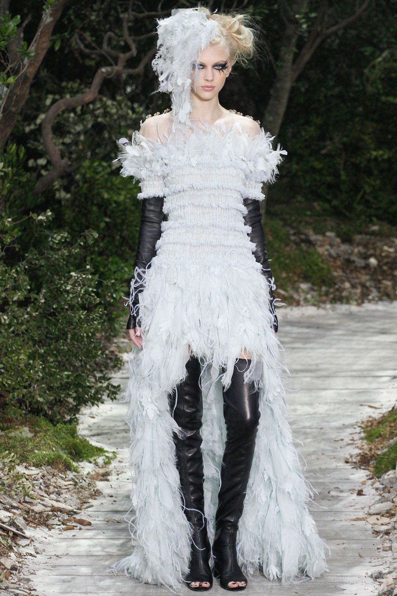 Chanel Spring 2013 Couture Fashion Show - Juliana Schurig (Elite)