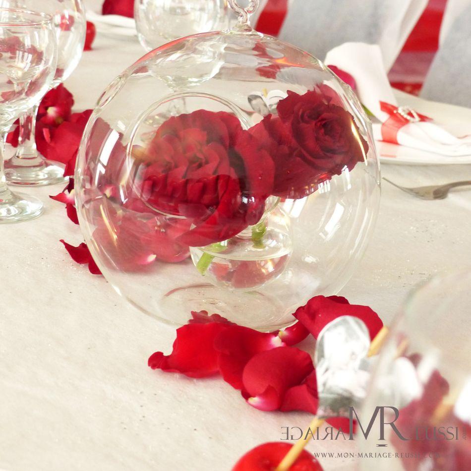 Centre de table 2 roses rouges prisonni res d 39 une boule en verre th me de mariage passion - Bouquet table mariage ...