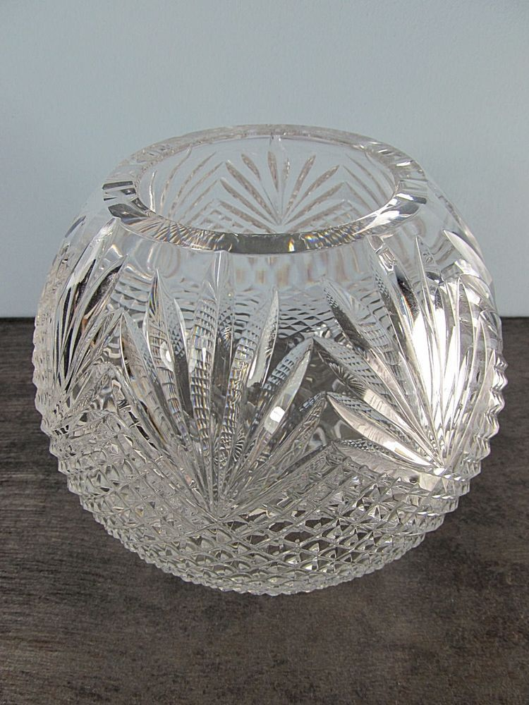 Antique Crystal Rose Bowl With A Pineapplefan Pattern 55tall X65