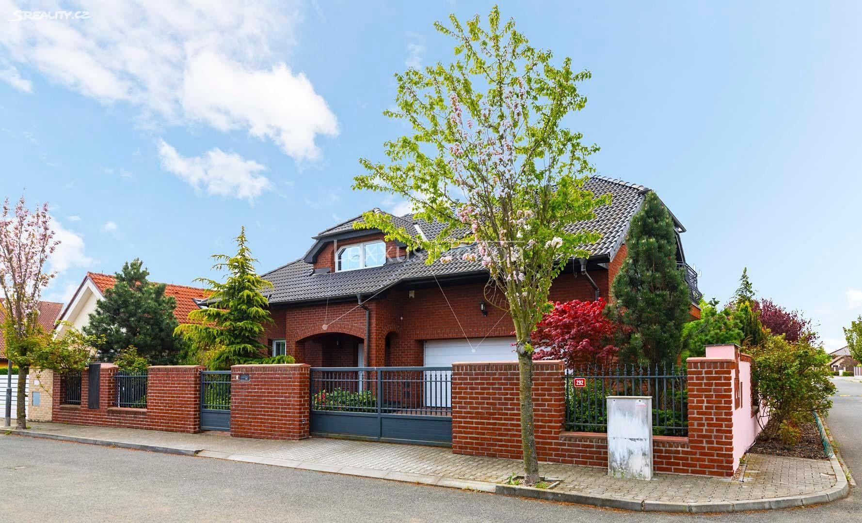Prodej Rodinn Ho Domu 270 M , Pozemek 880 M