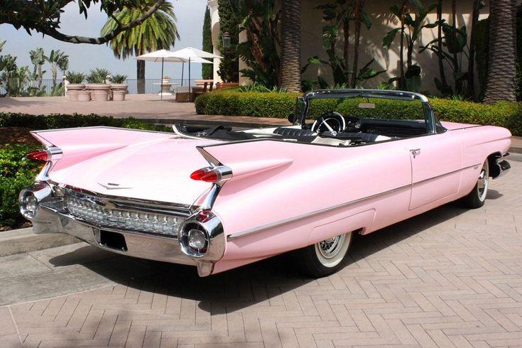 Nichts sagt 50er mehr als ein pinkfarbener Cadillac! Dieser 1959er Cadillac Seri…