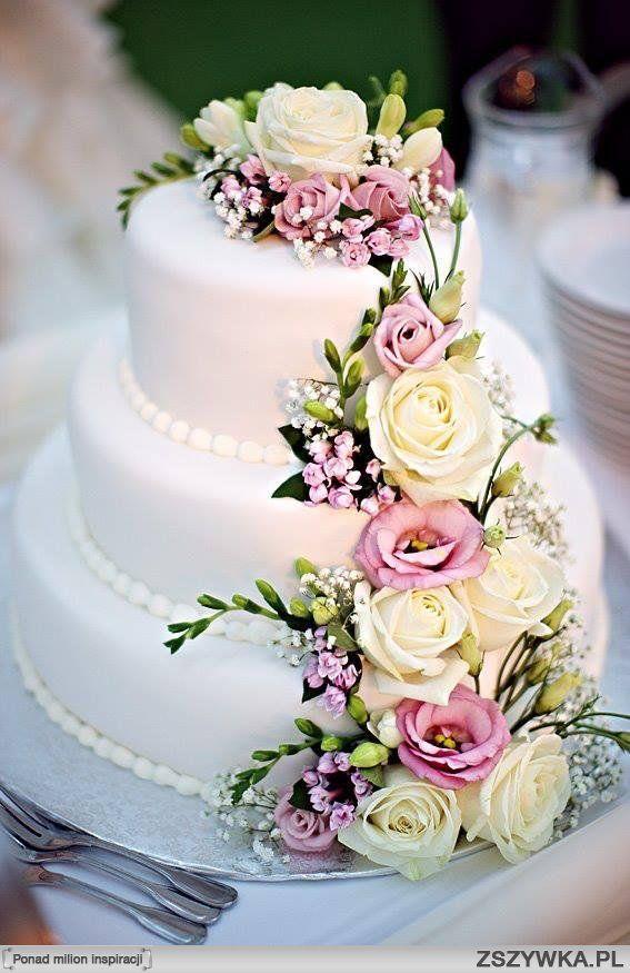 Piekny Tort Weselny Kwiaty Skromny Wedding Cake Fresh Flowers Wedding Cakes With Flowers Fresh Flower Cake