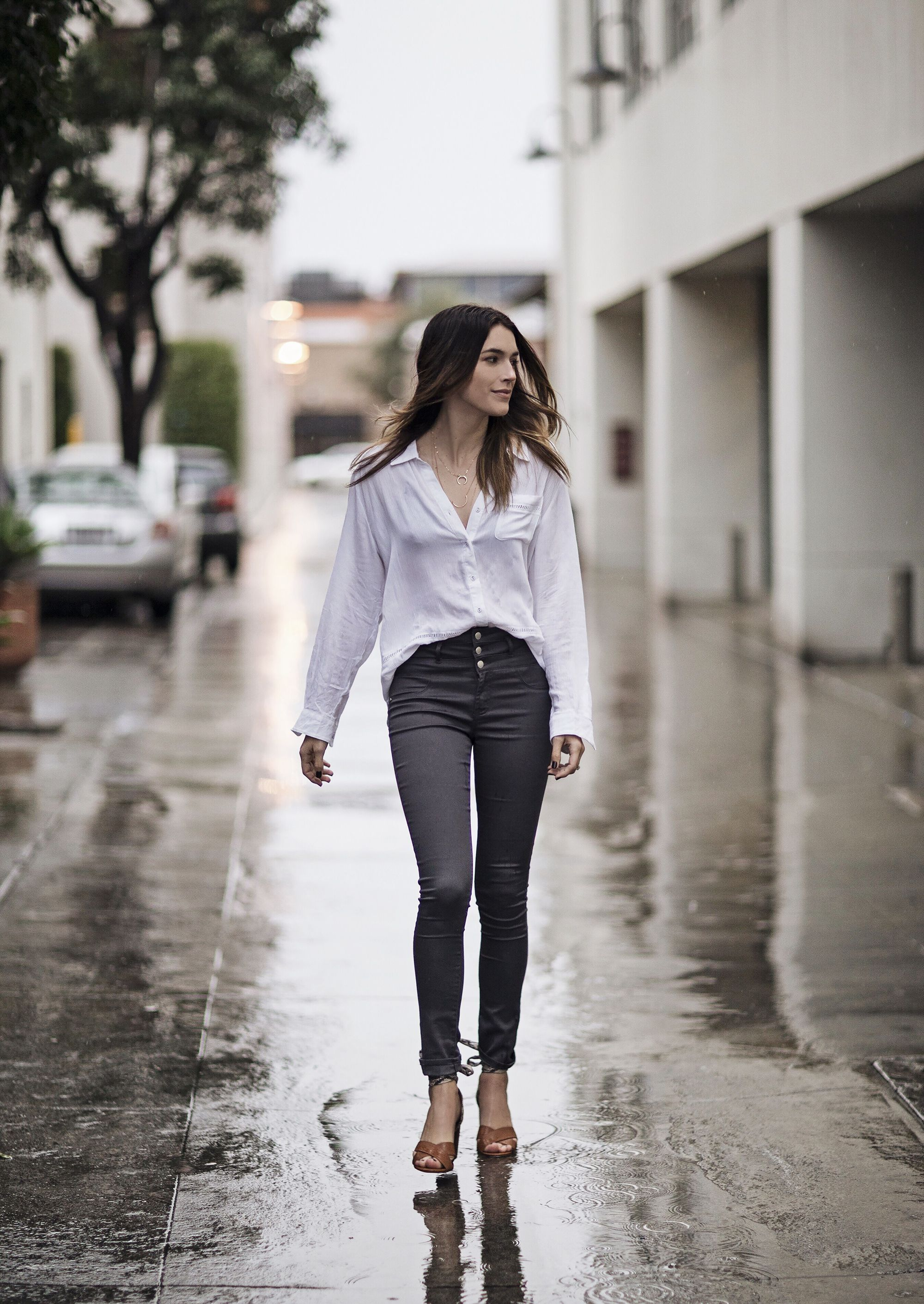 5b2413b9260 Button Up White Blouse Outfit Ideas