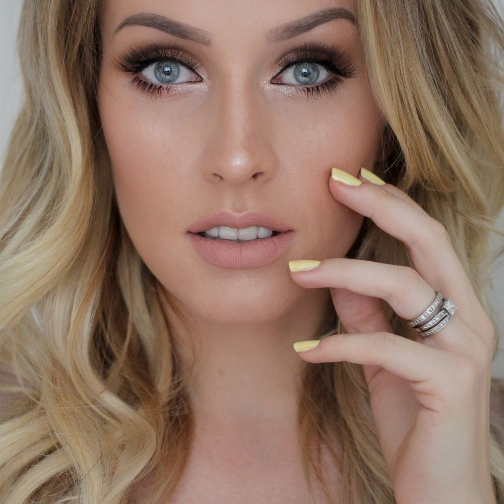 stunning bridal makeup! -  smokey eye and nude lip  ~  we ❤ this! moncheribridals.com
