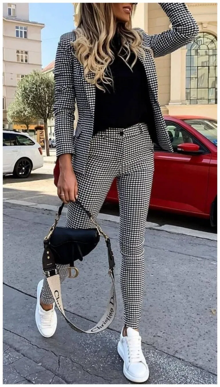 50+ Amazing Women Suits and Sneaker Trend » Educabit