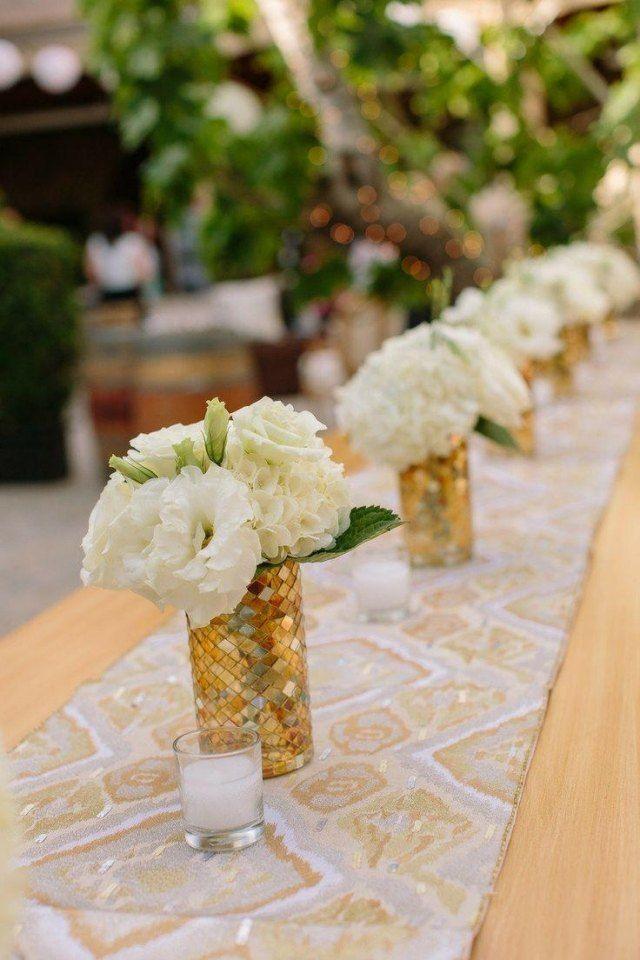 Garten Hochzeit Fruhling Tischdeko Vasen Goldene Nuancen Weisse