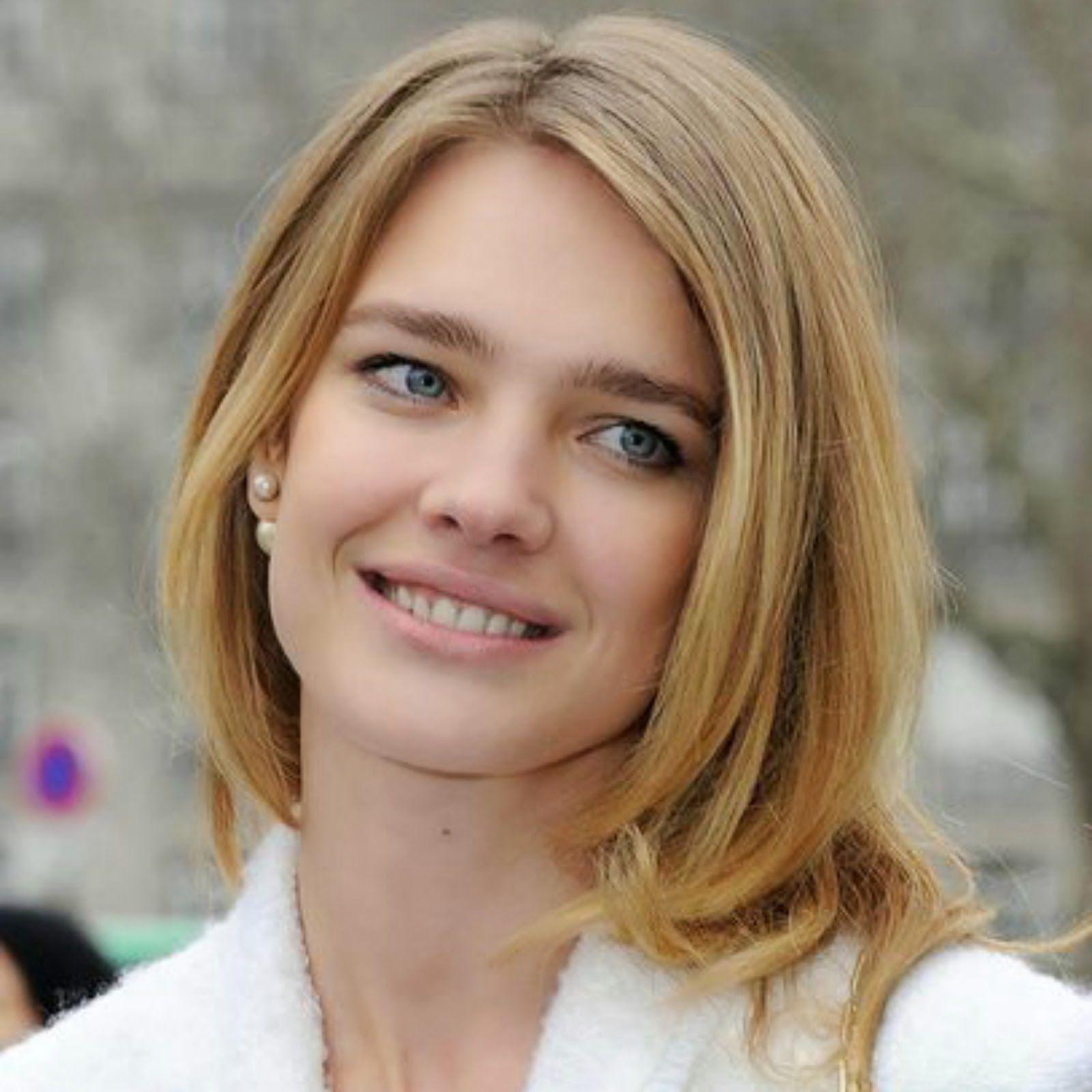 Mise En Dior Pearl Earrings Natalia Vodianova