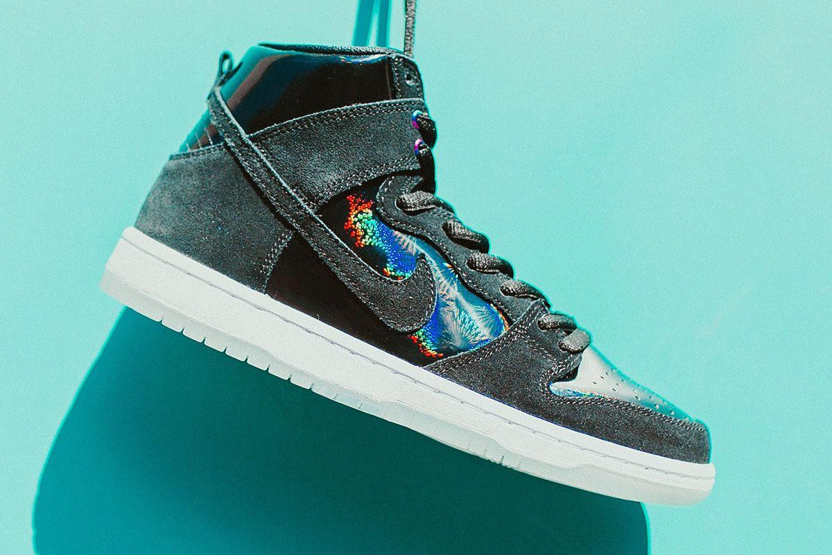 uk availability 54697 67195 Nike SB Zoom Dunk High Pro Iridescent  Black - EU Kicks Sneaker Magazine