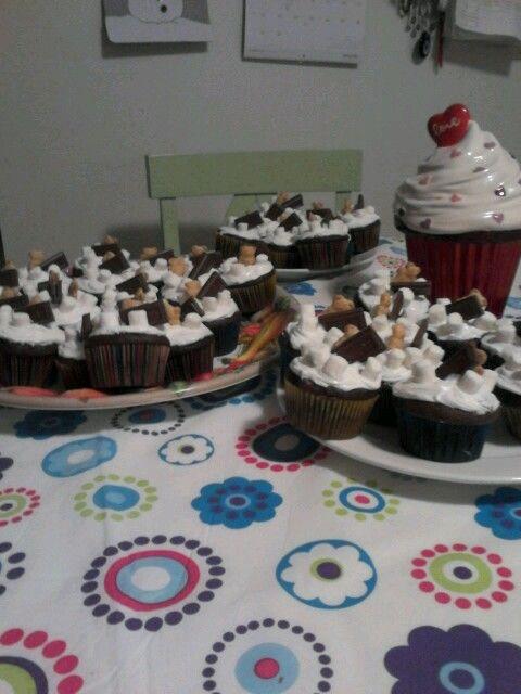 S 'mores cupcakes yum yum yum sooo good !!!!!
