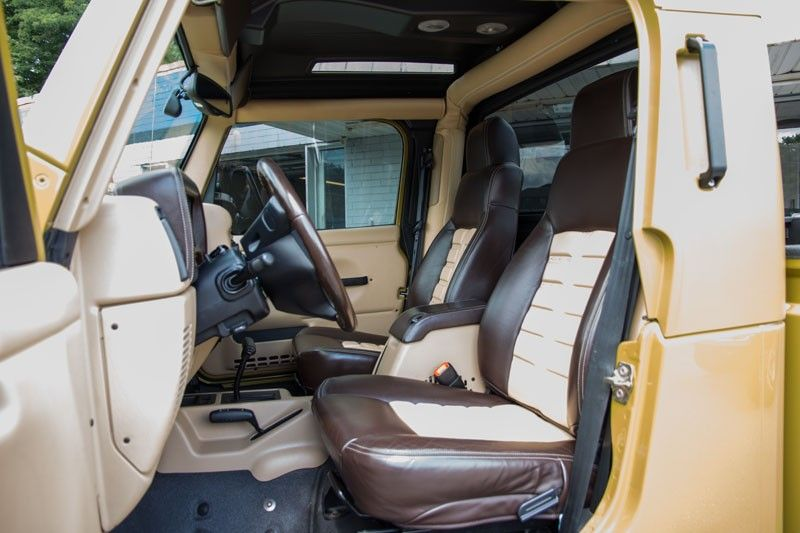 Aev Hemi Brute Interior Jpg 800 533 With Images Jeep