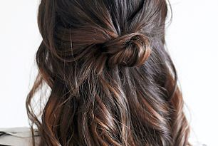 Hair Inspiration: The Loose Half-Up Top Knot