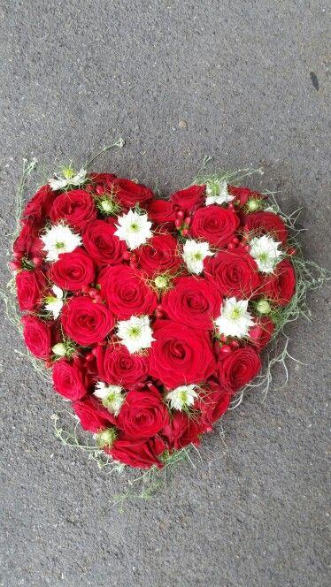 Blumen Dufour Beerdigung Herz Nigell 2 Lehrjahr Rot Weiss Blumen