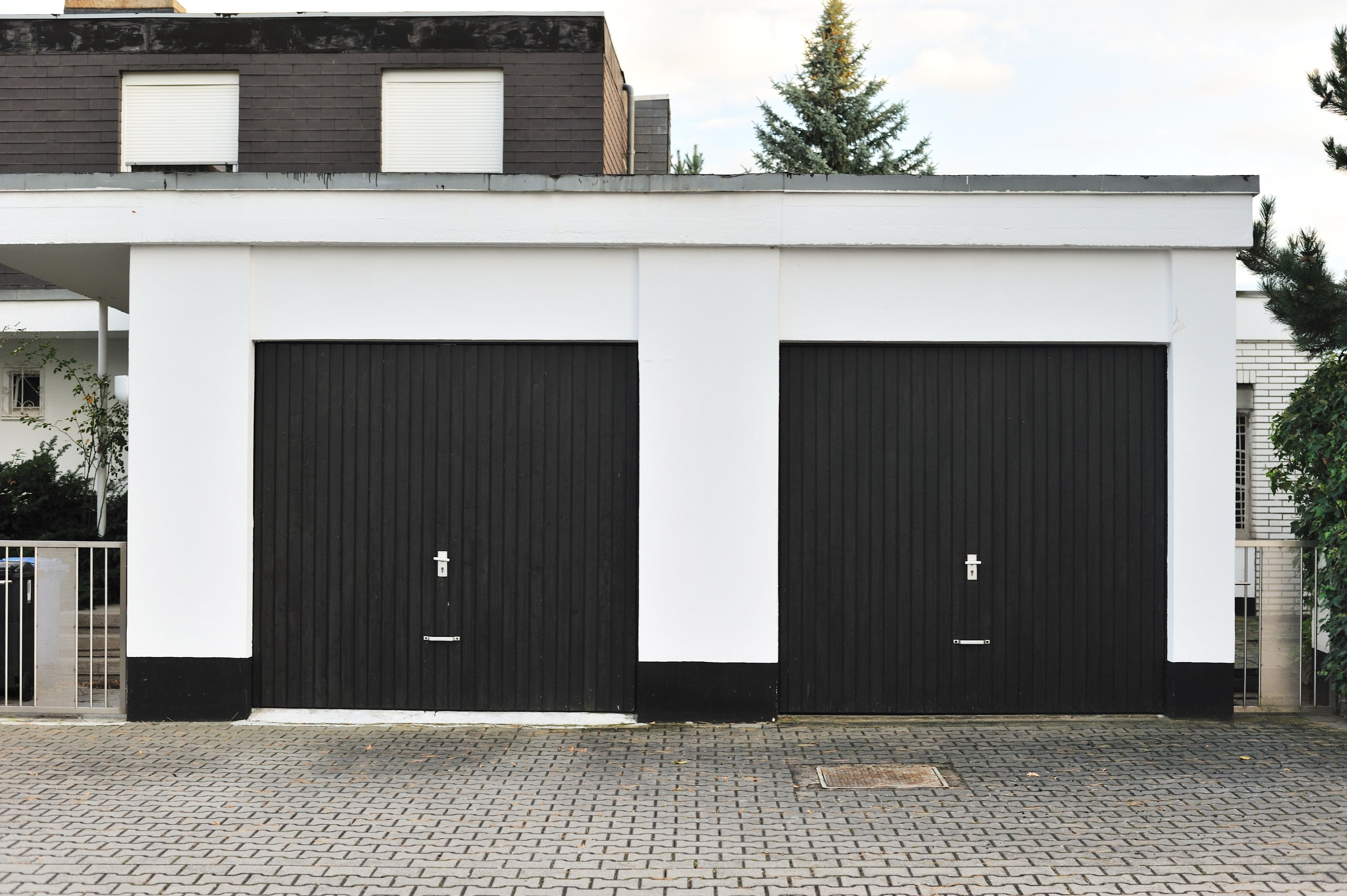 how to create a faux carriage garage door. also, see the