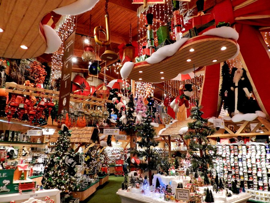 bronners christmas wonderland frankenmuth mi worlds largest christmas store
