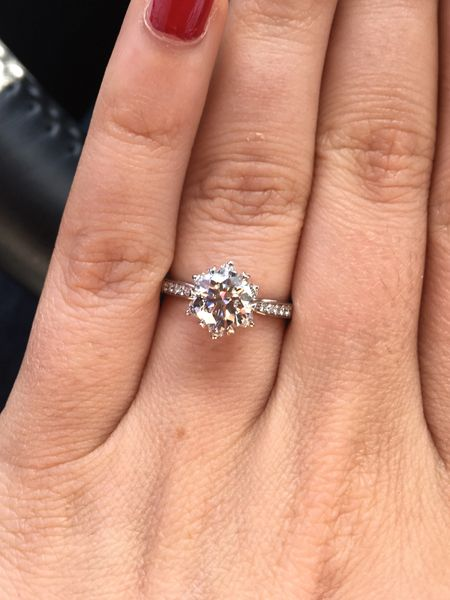 Round Diamond Set In Italian Style Pretty Engagement Rings My Engagement Ring Round Engagement Rings