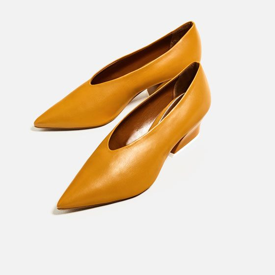 Image 6 of V-SHAPE CUT LEATHER SHOES from Zara
