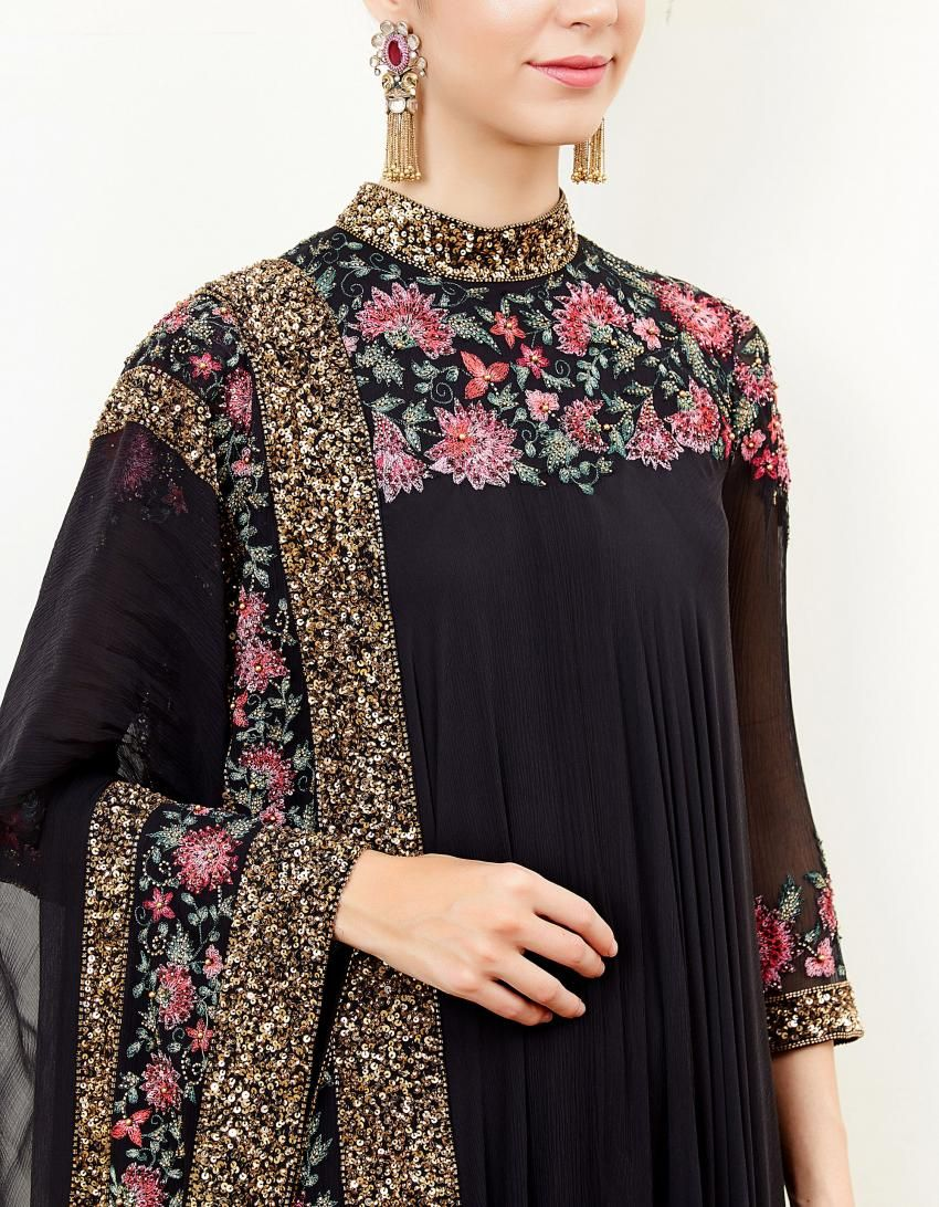 abfbcfa147 Black Asymmetric Kurta Set with Thread Embroidery | Mannat in 2019 ...