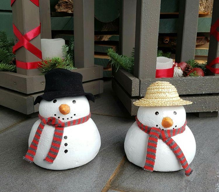 Beton Deko Weihnachten Schneemanner Idee Sack Formen Hute Schal Deko Fur Weihnachten Selber Machen Basteln Weihnachten Weihnachten Dekoration