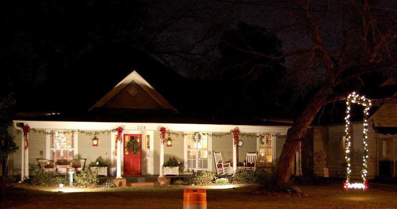 A Christmas Tour of Homes Christmas porch and Christmas decor