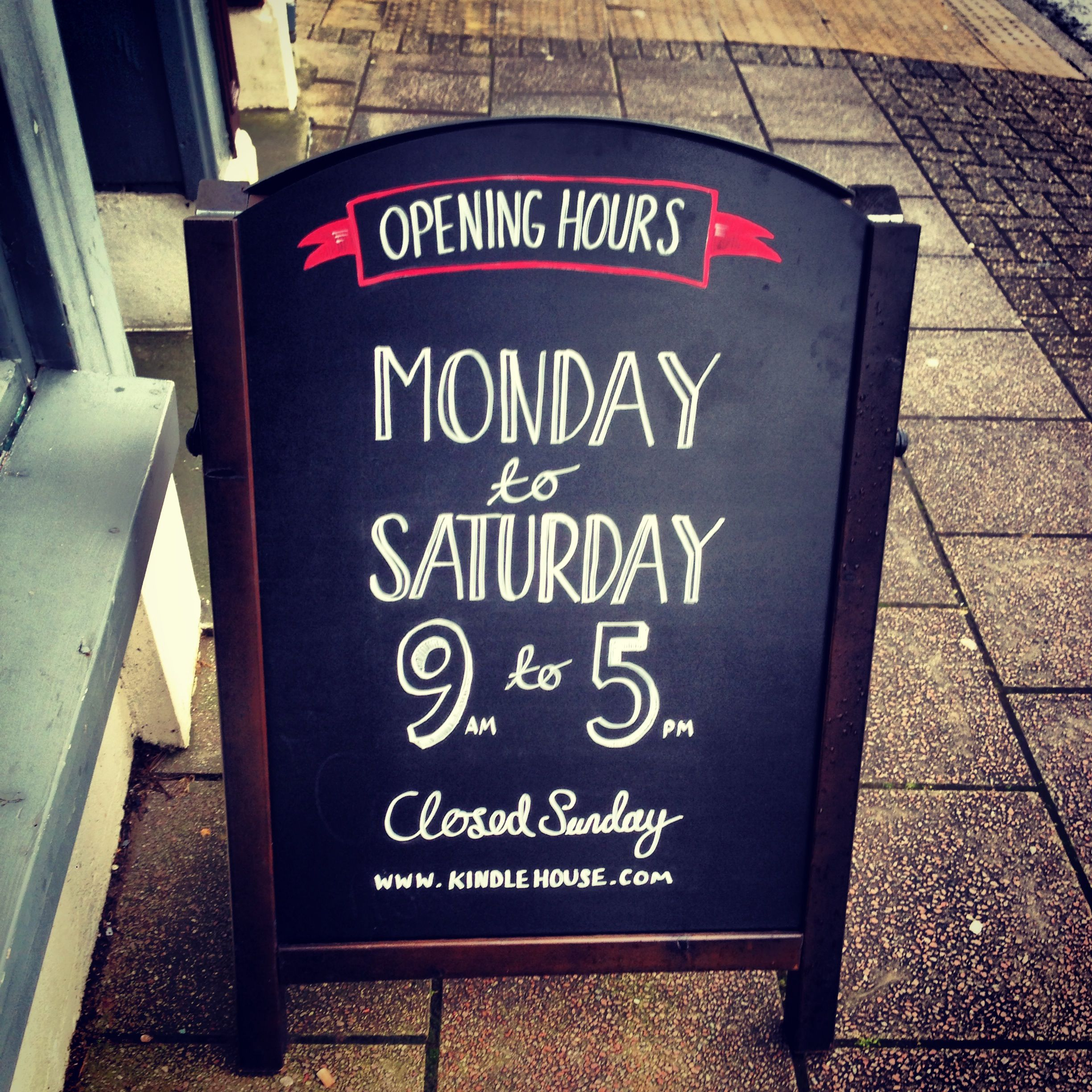 Opening hours, hand lettering for Kindle House