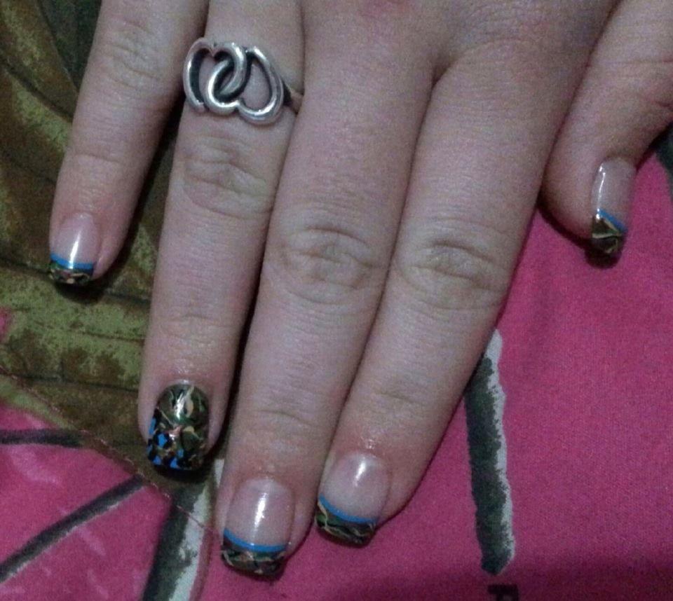 Camo nail design