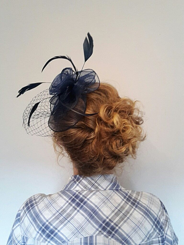 Curly Updo With Fascinator In 2019 Fascinator Hairstyles
