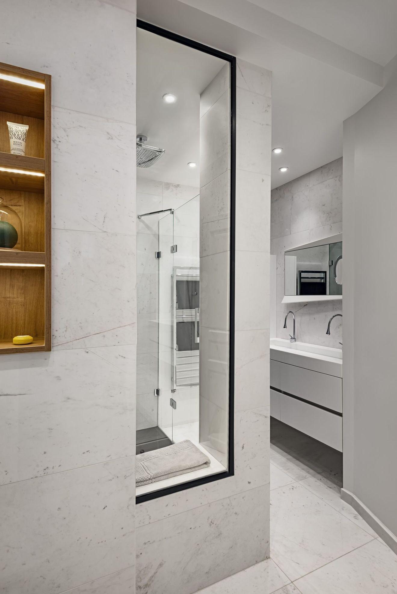 Salle de bain sans fenetre, sombre : solutions pour plus de