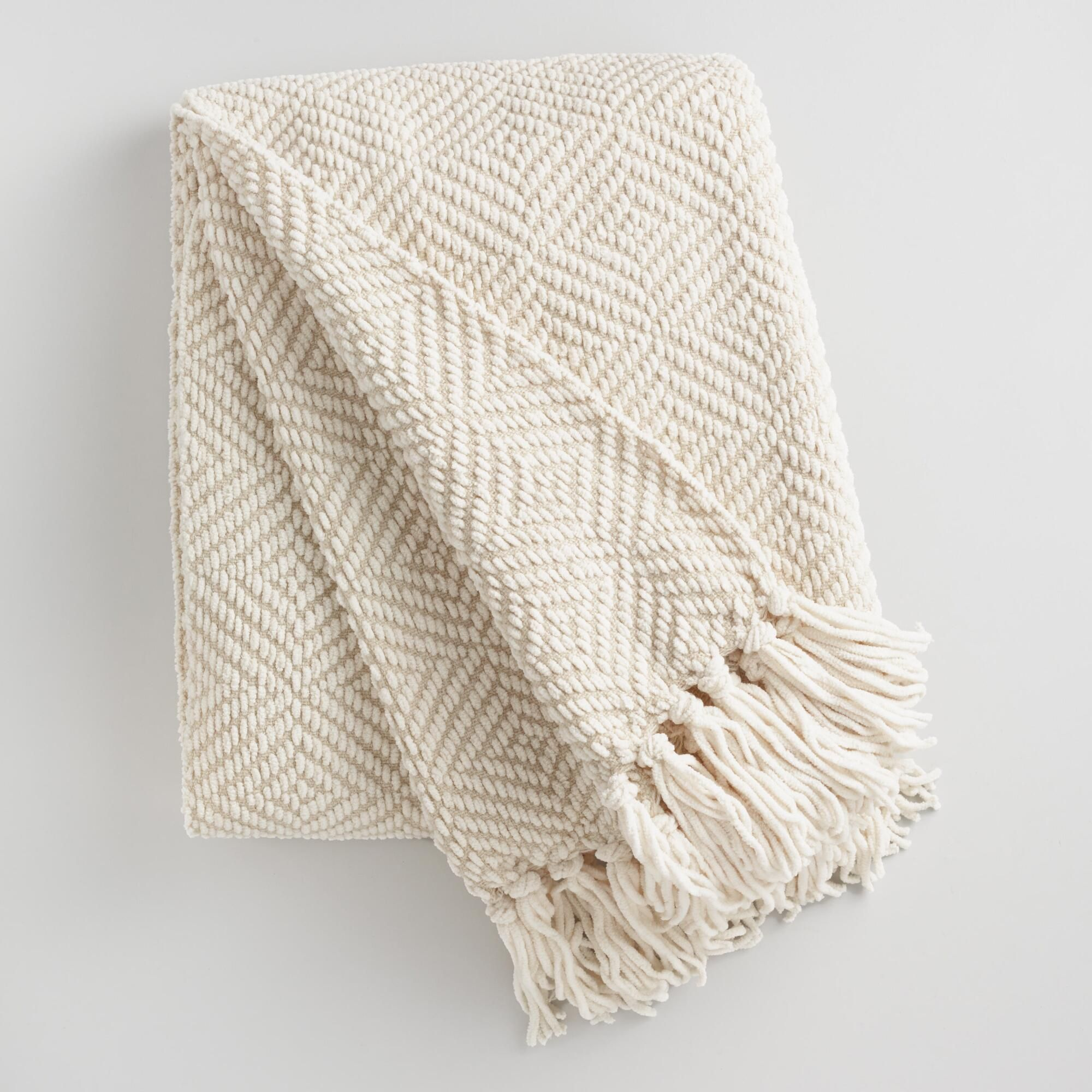 Superbe A Chic Accent And Cuddly Couch Companion In One, Our Contemporary Chenille  Throw Features An
