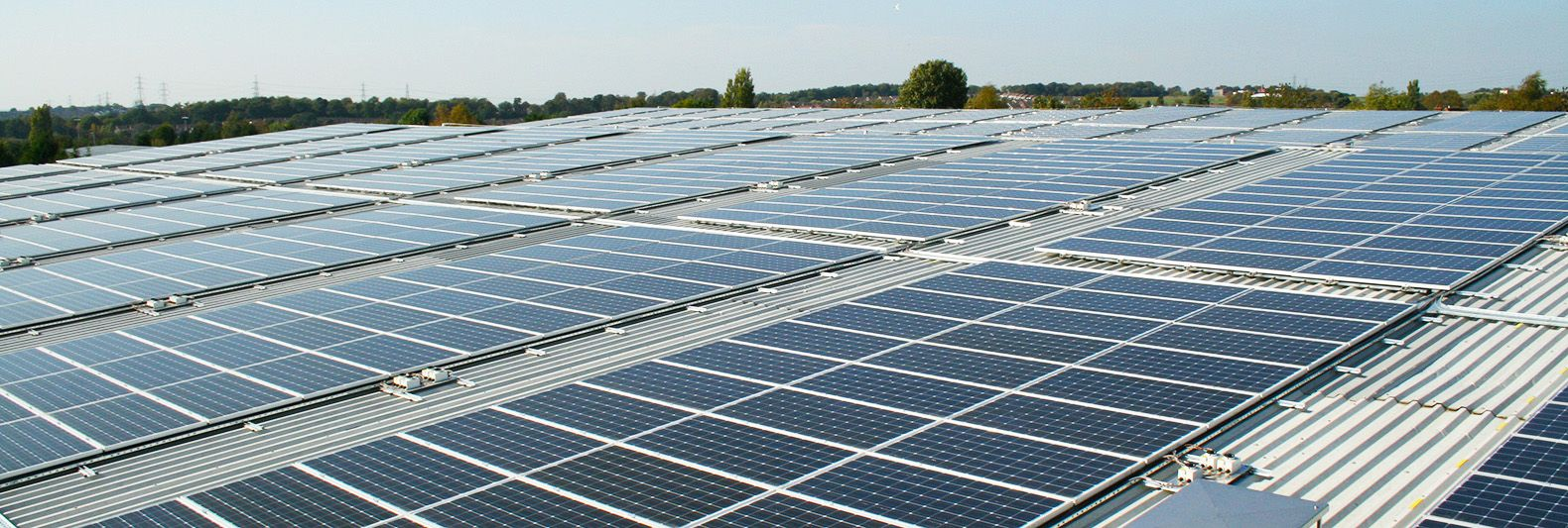 Tesla To Power Gigafactory With World S Largest Solar Rooftop Installation Tesla Solar Installation