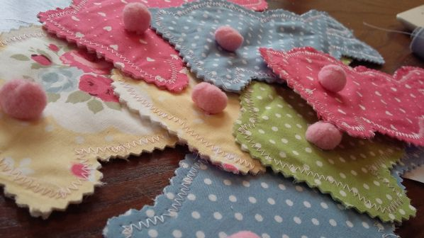 Crafty Sew&So's tutorial for Easter Bunny Bunting