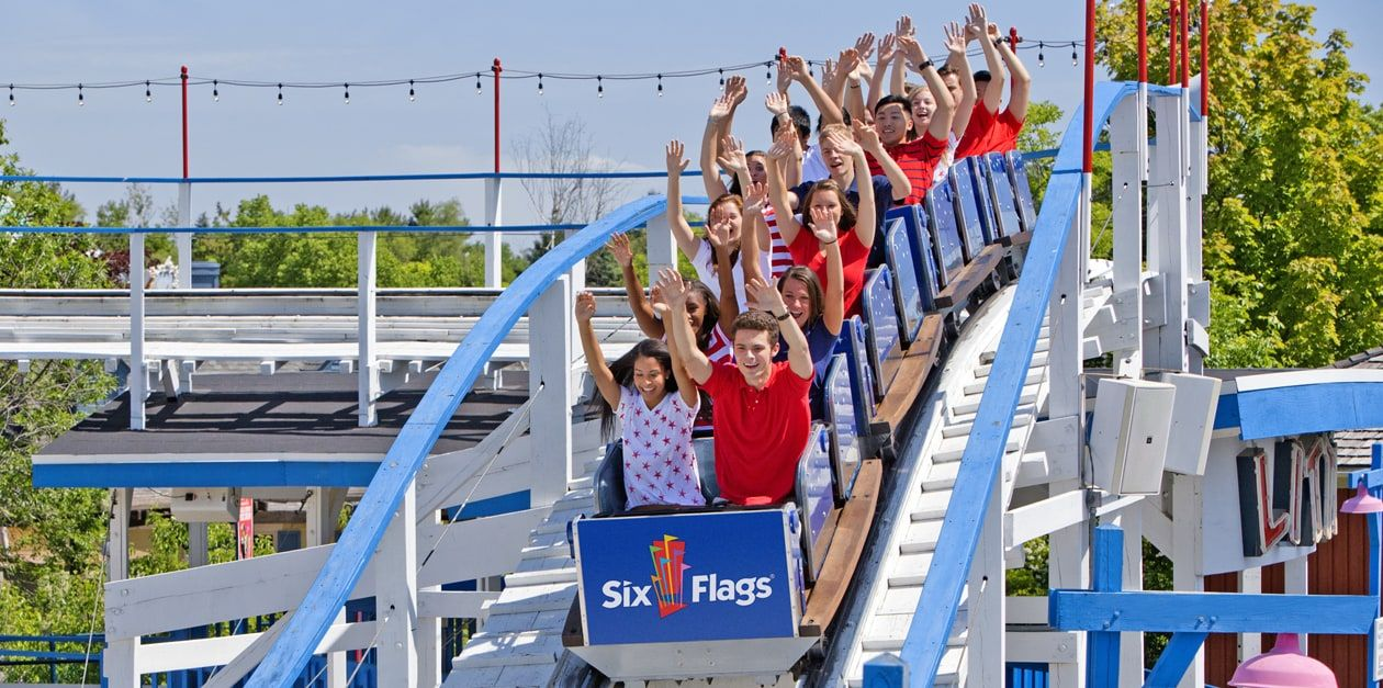 Six Flags Great America Will Host Labor Day Weekend On September 1 3 The Ultimate End Of Summer Tradition Great America Six Flags Summer Traditions