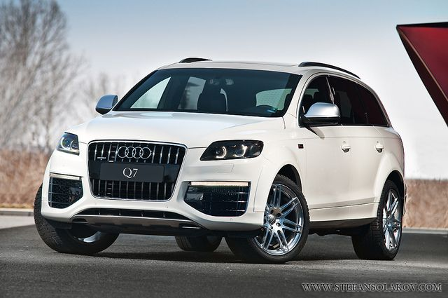 Audi Q7 All white Priceless !