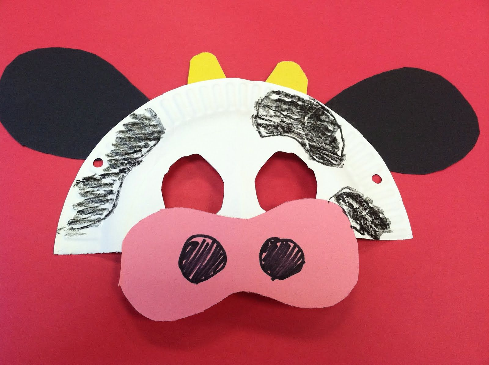 Easy cow mask made from a paper plate and construction paper. & Easy cow mask made from a paper plate and construction paper ...