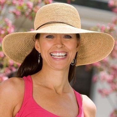 Womens Wallaroo Napa UV Sun Hat Natural UPF50+. Tried not to buy it bc3b1b2493ba