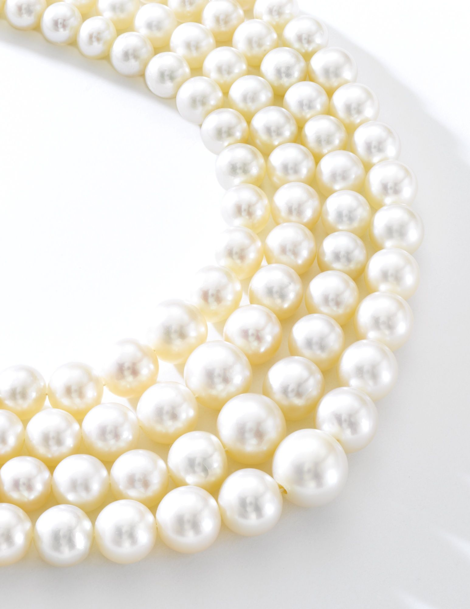 Fine natural pearl and diamond necklace
