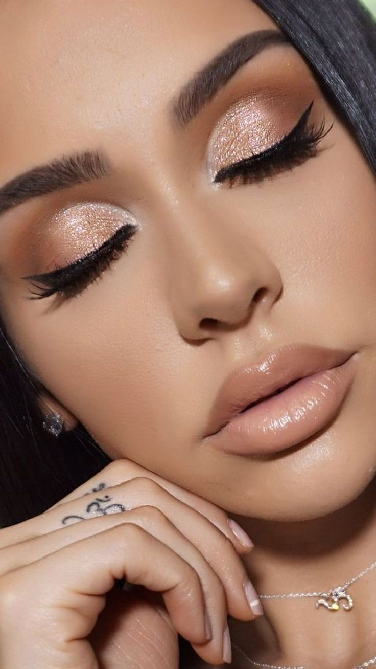 30 Beautiful Prom Makeup Ideas For Brown Eyes #makeup looks natural brown eyes 3  #Beauti - Moyiki Sites