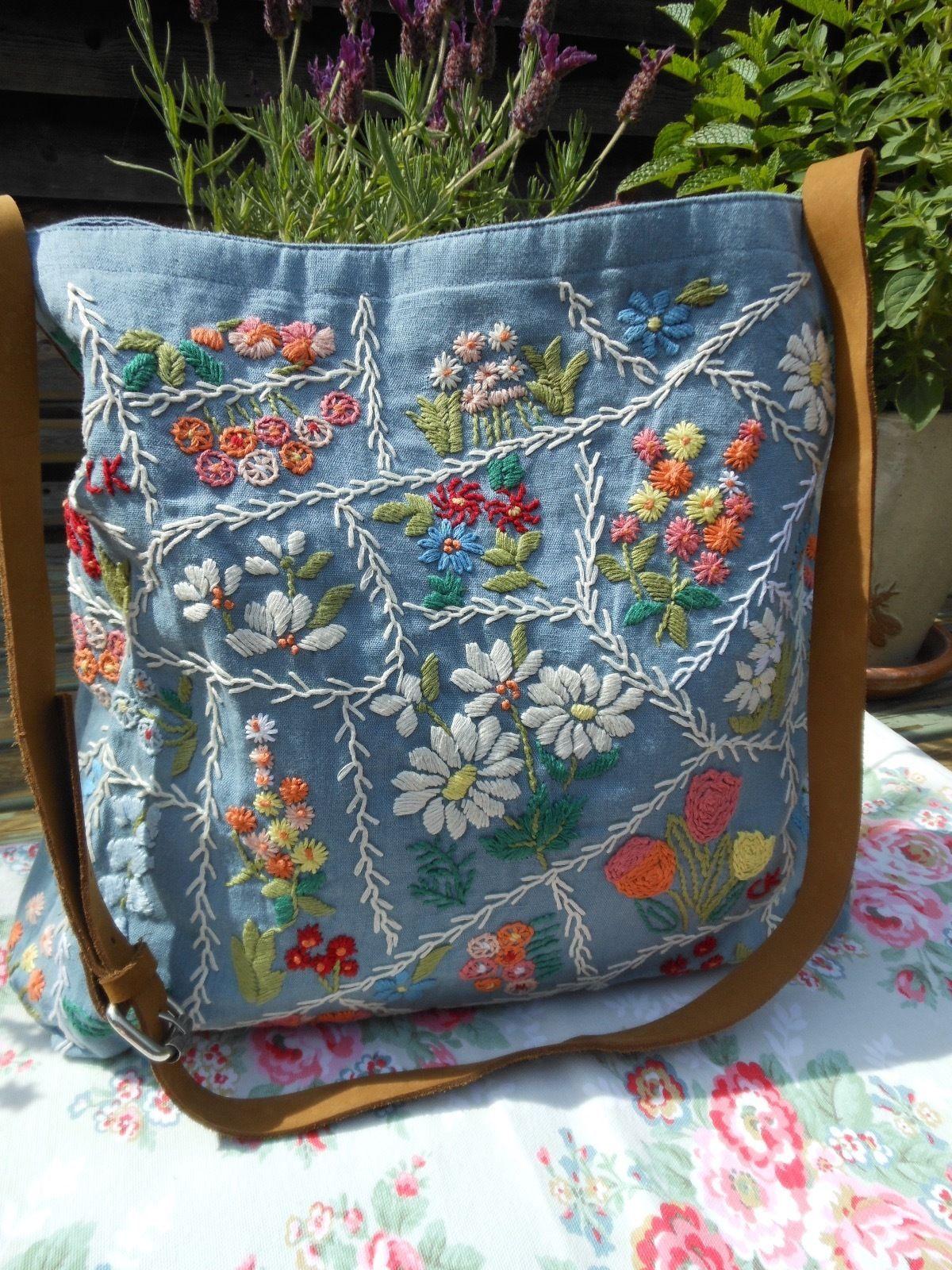 Resultado de imagem para bolsa jeans bordada | bolsas ...